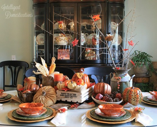 Farmhouse Style Fall Tablescape Ideas