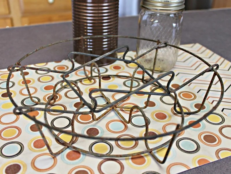 a-vintage-wire-canning-basket-makes-a-fun-farmhouse-style-fall-candy-bar-intelligentdomestications-com