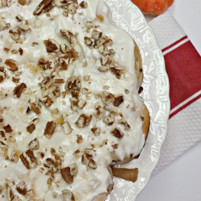 Apple Cinnamon Roll Coffee Cake & Apple Cream Cheese Icing