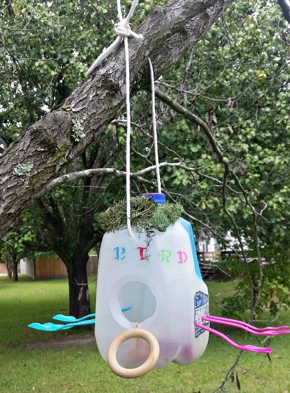 milk-jug-bird-houses-are-a-nice-project-for-the-kiddos-get-ideas-from-the-three-new-ones-our-grandchildren-made-intelligentdomestications-com