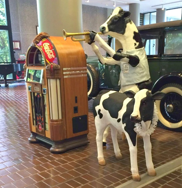 of-course-cows-are-a-part-of-the-landscape-at-the-chik-fil-a-home-office-in-atlanta-intelligentdomestications-com