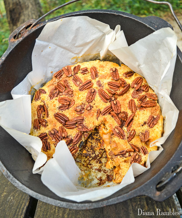 dutch-oven-pumpkin-pie-dump-cake