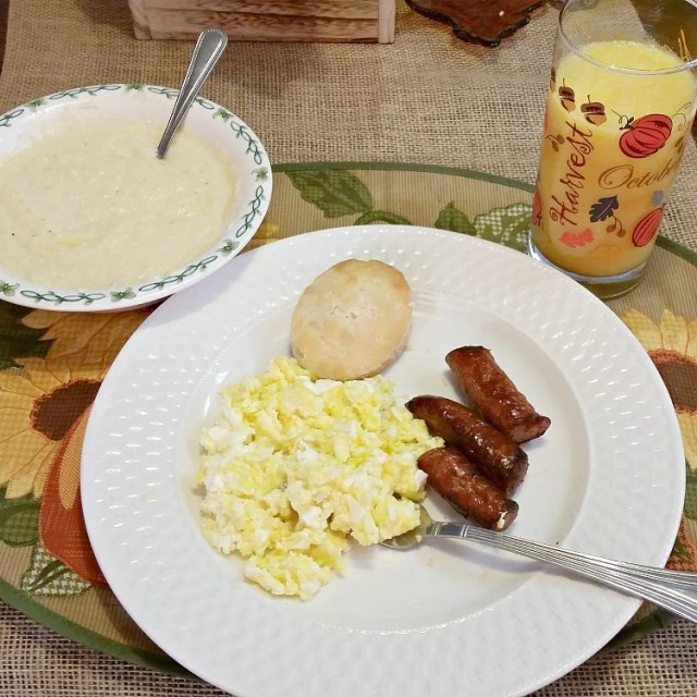 The Secret To Cooking Good Grits. Here in the south, Grits is considered a staple to have on hand. Grits are not just for breakfast. They are served with fish and nothing beats a good Shrimp and Grits recipe but first you need to know how to make good grits. #breakfast #grits