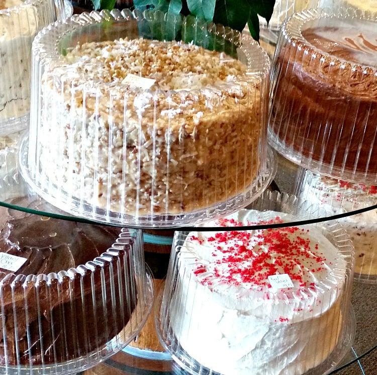 cake-selections-in-the-bakery-at-the-mennonite-restaurant-in-montezuma-georgia-intelligentdomestications-com