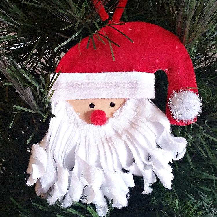 diy-mason-jar-lid-santa-ornament-grab-the-easy-tutorial-at-intelligentdomestications-com