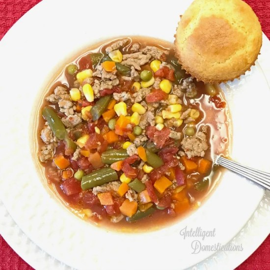 Homemade Vegetable Soup recipe. How to make a hearty pot of Vegetable Beef Soup. #groundbeefrecipes #recipe #soup #vegetablesoup #onedishdinner #onepotmeal #weeknightdinner