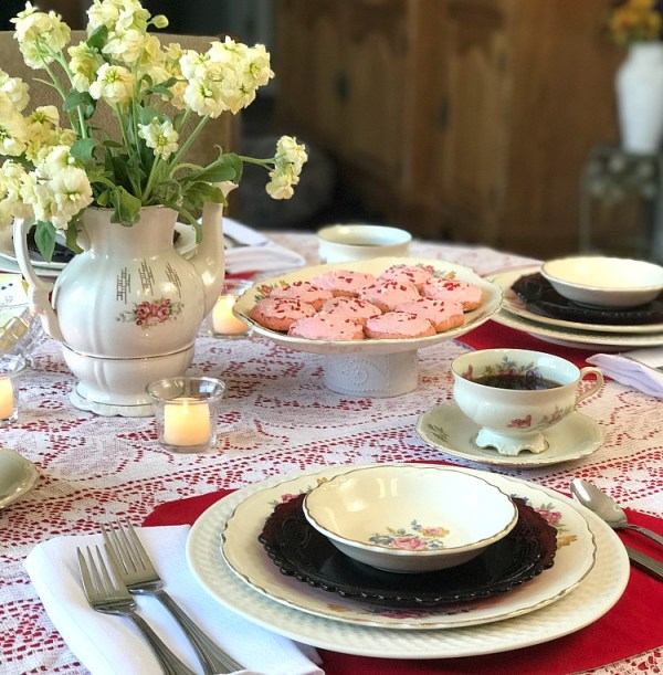 Valentine's Tablescape using vintage dishes. #valentines