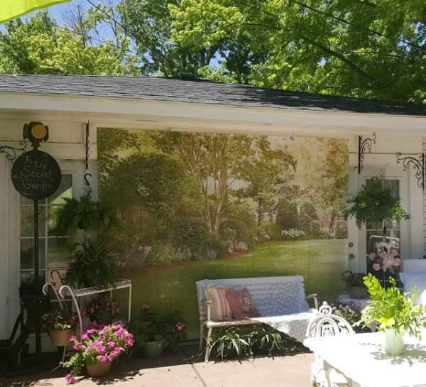 Outdoor photo backdrop