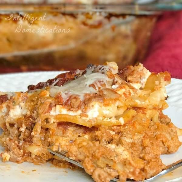 Easy recipe for classic lasagna. Easy Lasagna recipe. Classic lasagna recipe.