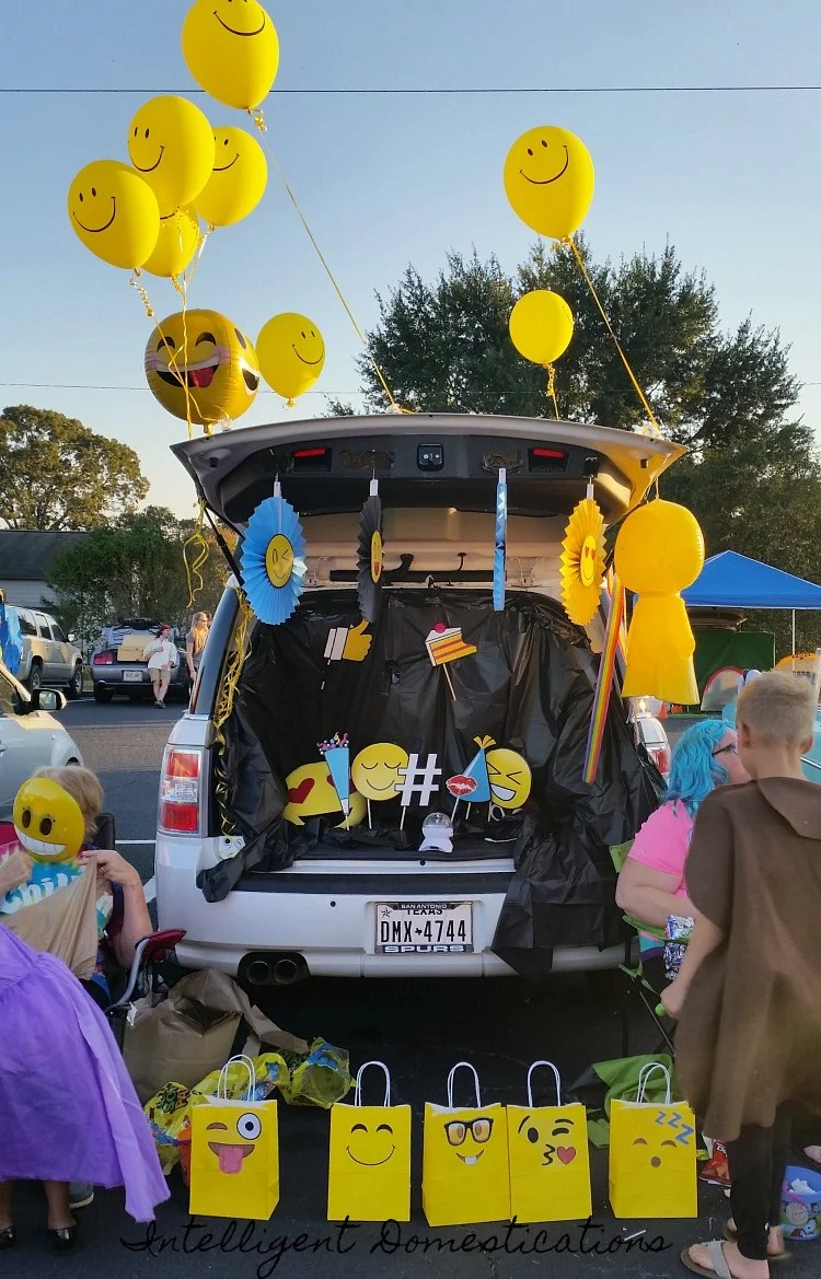 Trunk or Treat design ideas. How to decorate your car for trunk or treat. & Even More Trunk or Treat Decorating Ideas | Intelligent Domestications