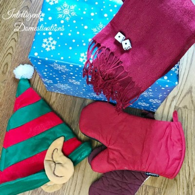 Unwrap The Gift Wearing Gloves Game