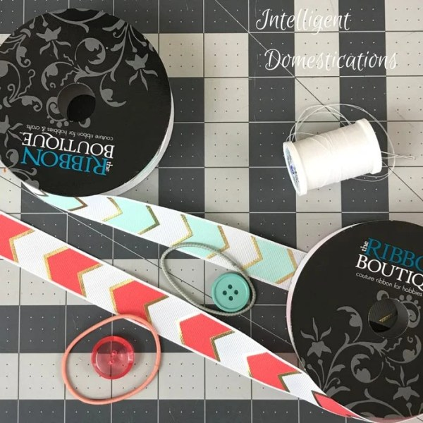How To Make Ribbon Barkmarks. Easy Ribbon Bookmark tutorial. Easy DIY Ribbon Bookmarks