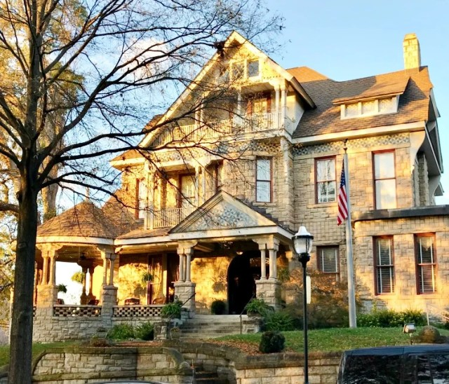 Mayor's Mansion Inn Bed and Breakfast Chattanooga, Tn. honest review