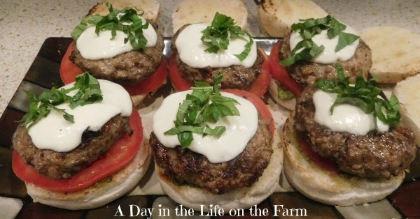 Caprese Burgers #FarmersMarketWeek