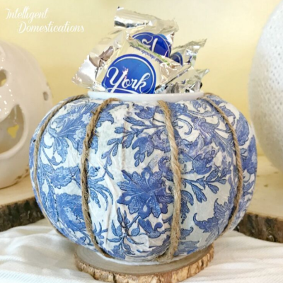 Make Your Own Blue & White Pumpkin Candy Dish