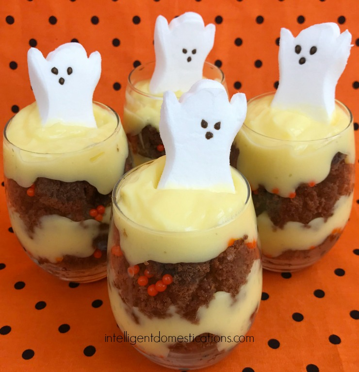 Make these easy Halloween goodies Brownie Parfaits! Start by making a pan of homemade brownies! Easy to make and fun to eat Brownie parfaits for Halloween