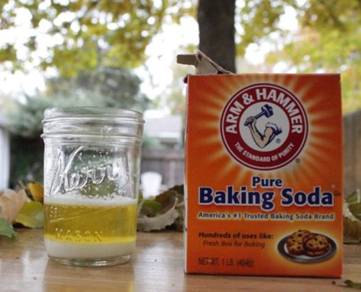 add some urine into the baking soda solution