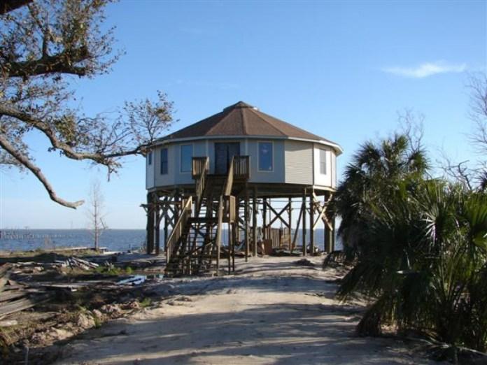 Эти Удивительные Ураганозащитные Дома Выдержали Ураган Дориан