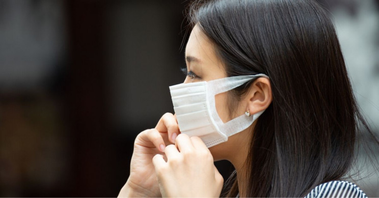 Face Masks Might Actually Increase Infection Risk for COVID-19