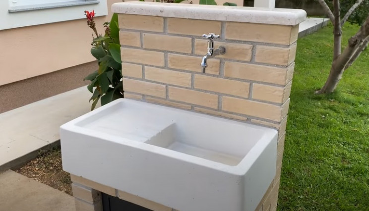 build your own outdoor sink unit