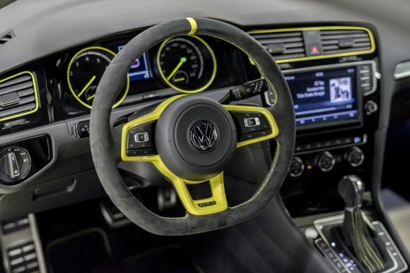 VW-Golf-GTI-Dark-Shine-22
