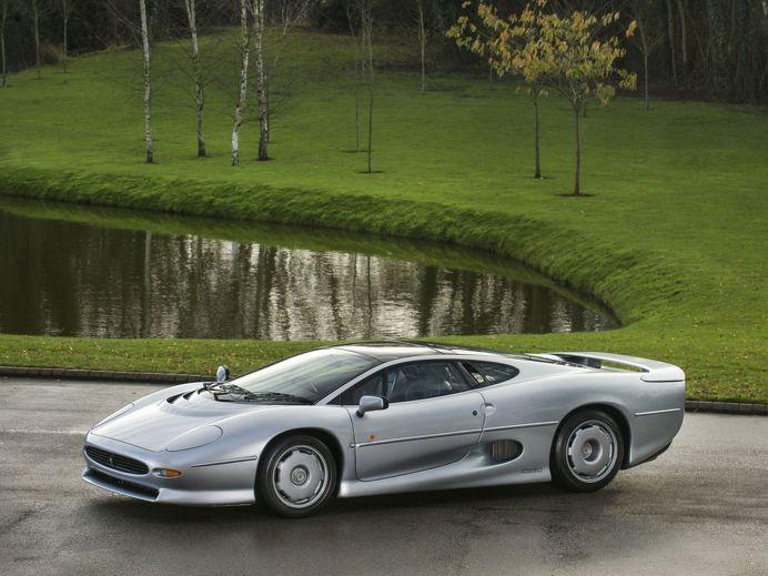 Jaguar XJ220 for sale1