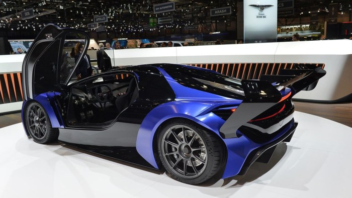 techrules-at96-trev-supercar-concept-debut-in-geneva1 (14)