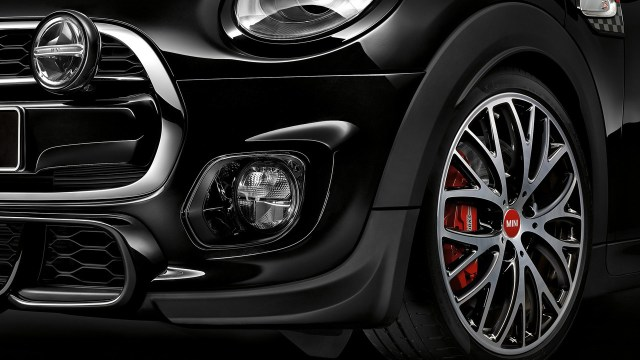 minis-with-john-cooper-jworks-accessories