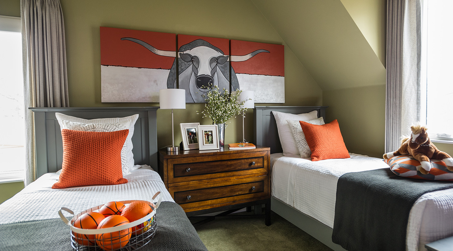 hgtv smart home 2015 paint colors intentionaldesigns com 15545 | sw img hgtvsh15 kids bed