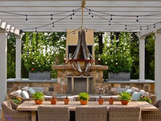 outdoor dining area