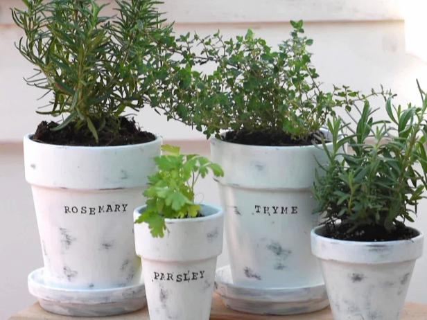 diy hand stamped planters