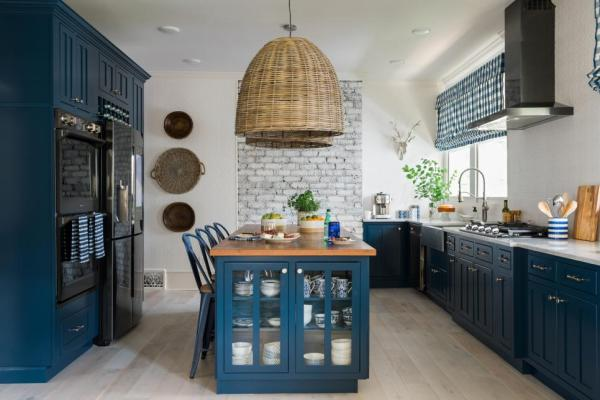 HGTV 2017 Urban Oasis Kitchen Cabinetry Paint Color