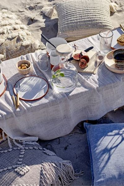 5 Summertime DIY Outdoor Table Settings