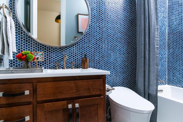 HGTV Smart Home 2019, Guest Bathroom