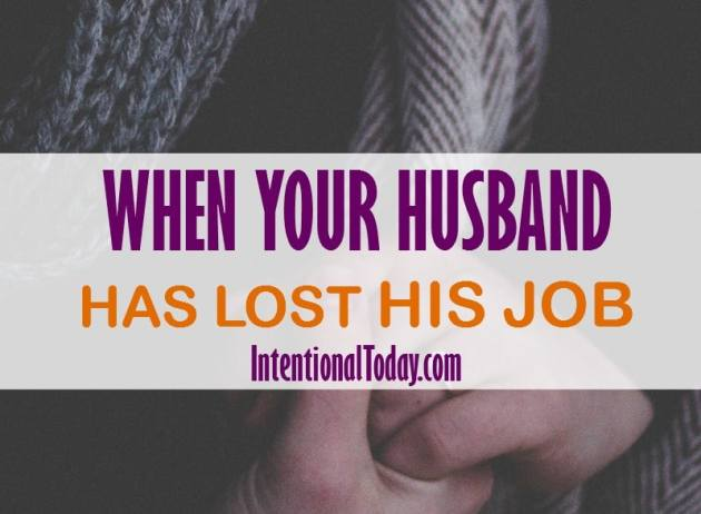 Has your husband lost his job? Financial stresses are a marriage stressor! Here are 8 ways to navigate financial struggles in early marriage so you can thrive