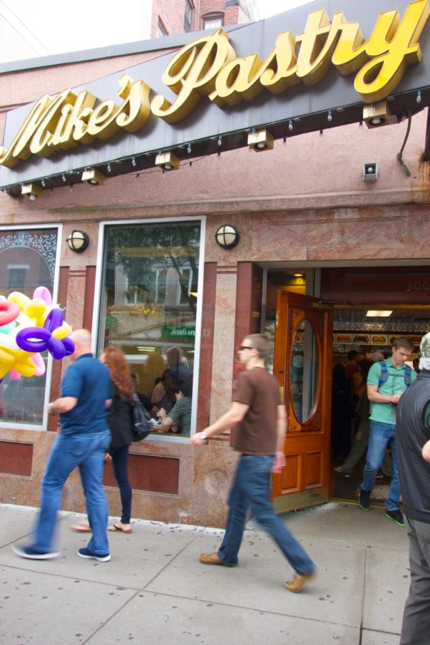 Mike's Pastry, Boston, Massachusettes | Intentional Travelers