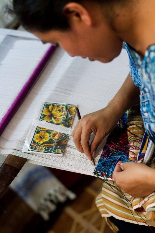 antingua-guatemala-weaving