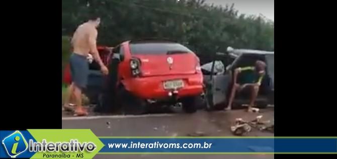 Carros ficam destruídos em acidente entre Paranaíba e Aparecida