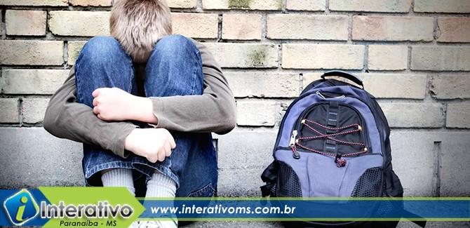 Crianças ficam sem ir à escola por falta de transporte público em Paranaíba