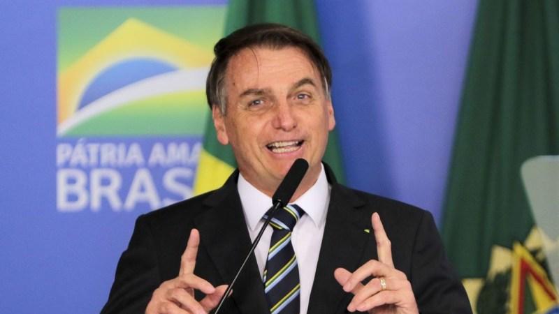 Bolsonaro diz que a proposta atual do Renda Brasil está suspensa
