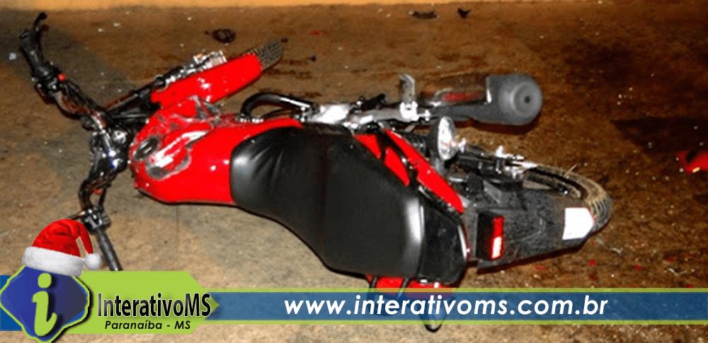 Mãe e filha são levadas a Santa Casa após acidente de moto em Paranaíba