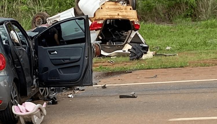 Casal de MS morre e bebê fica ferida em acidente após pneu estourar