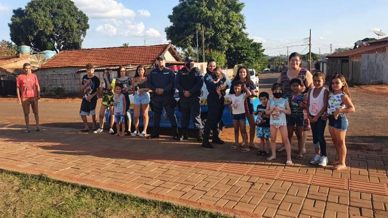 Polícia Militar proporciona um dia especial para crianças em Paranaíba