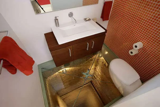 bathroom-elevator-shaft-glass-floor-hernandez-silva-3