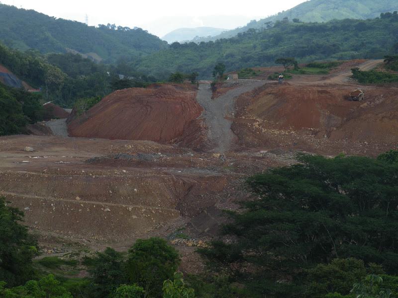 Dam under construction 24 hours a day. Photo Robin Oisín Llewellyn