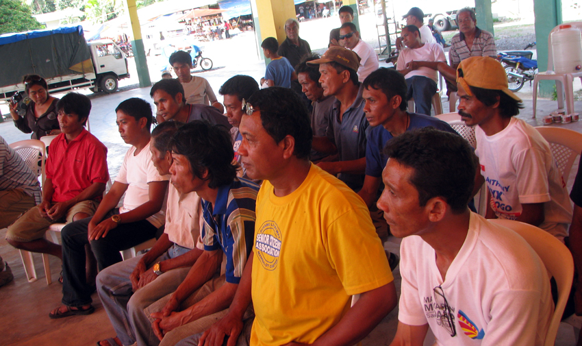 Panglima leaders discussing their trip to Manila - Photo ALDAW