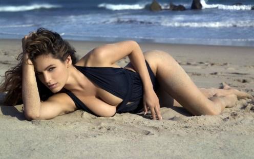 women-beach-sexy-1680x1050-wallpaper_www-wallfox_net_84