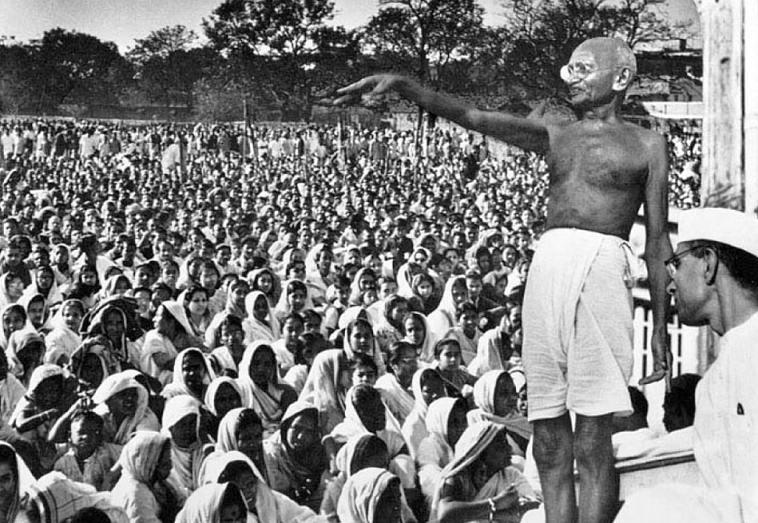 Картинки по запросу Мохандас «Махатма» Ганди реферат