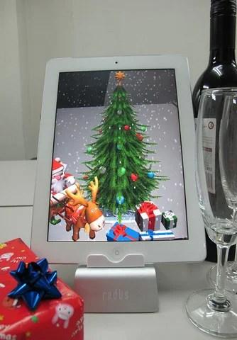 机の上のクリスマスAR