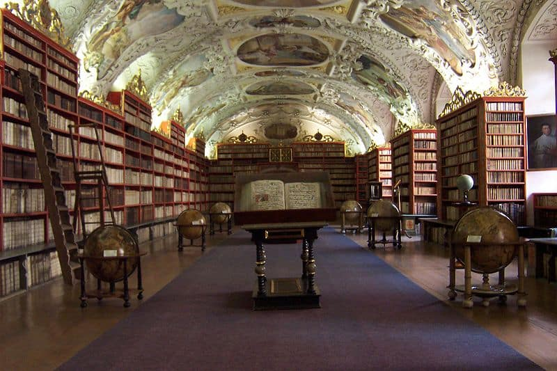 10 Interesting Facts About Libraries And Librarians Interesting Literature